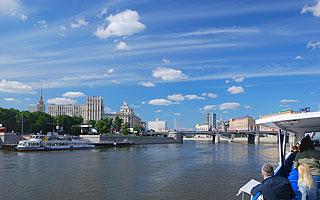 a196 По центру Москвы на теплоходе.     105k