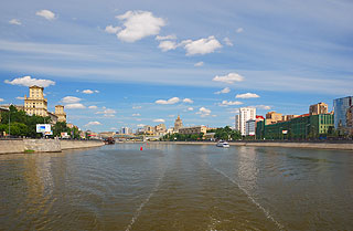 a198 По центру Москвы на теплоходе.     103k